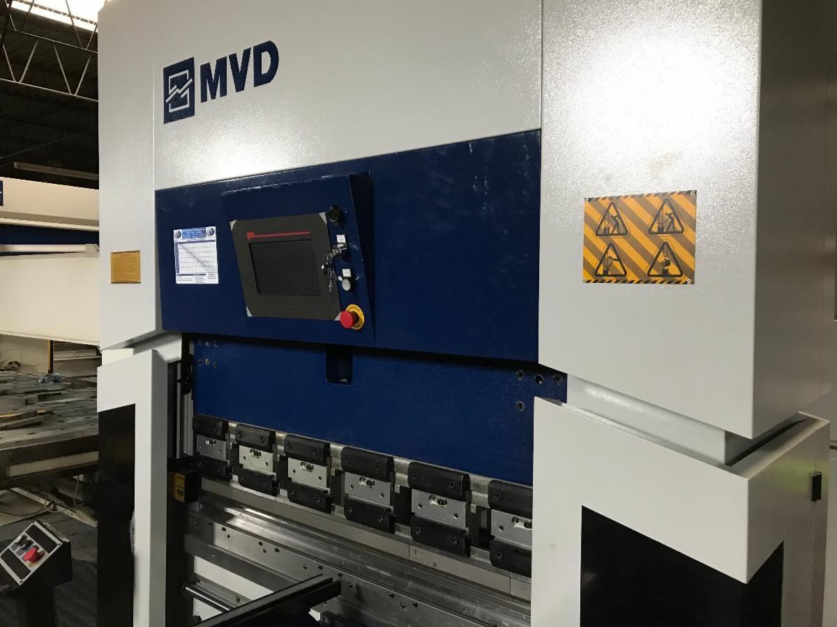 Matt Ryan demonstrates the MVD E40 press brake